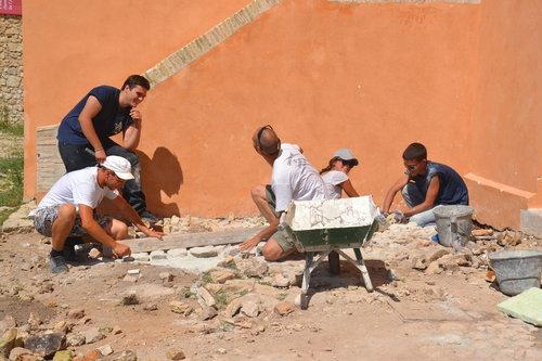 Les jeunes rénovent le fort de l'île Sainte-marguerite (Cjpca)