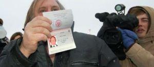 Gérard Depardieu avec son nouveau passeport russe