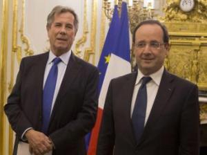 Jean-Louis Debré et Francois Hollande ont annoncé lundi vouloir remettre en cause la place des anciens présidents au conseil constitutionnel ( Reuters)