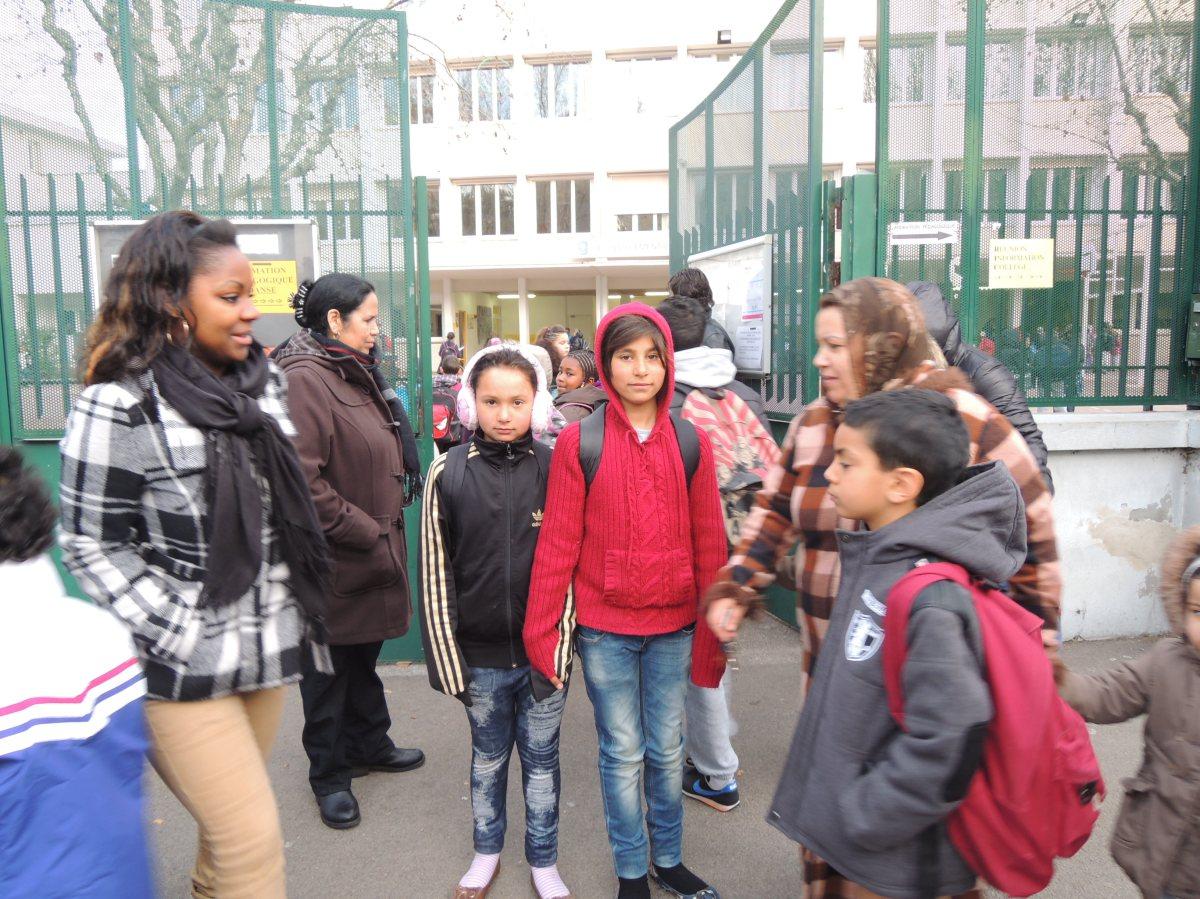 Les Roms sur le chemin de l'école