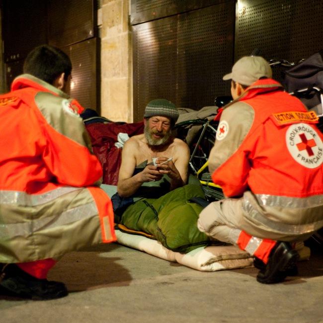 A Nice, seulement cinq personnes de la Croix-Rouge aident les sans-abris. Photo : DR
