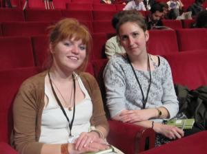 Lucie et Juliette sont venues au test de citoyenneté avant tout pour s'amuser. Crédit : A.R