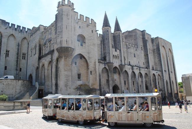 Le Palais des Papes à Avignon, une immensité à découvrir. Photo : N.G