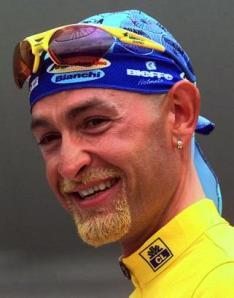 Marco Pantani, un sourire terni par le dopage. (Crédit D.R.)