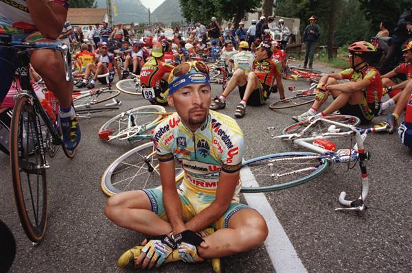 Marco Pantani a peut-être perdu la vie car il en savait trop. (Crédit D.R.)