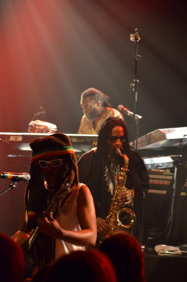 David Hinds et Jerry Johnson, saxophoniste renommé mondialement sur la scène reggae. (photo: Juliette Redivo)