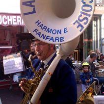 Le soubassophoniste de l'harmonie fanfare de la jeunesse niçoise. Crédit : V.V.