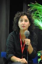 """Sihem Habchi, l'ancienne présidente de l'association Ni putes Ni soumises est venue soutenir la cause féministe avec son livre """"Toutes libres"""", éditions Pygmalion. (Photo Nathan Gourdol)"""