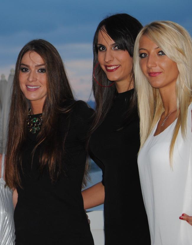 Tatjana Bokan, Milena Rasic, et Anja Antonijevic, aussi belle en dehors que redoutable sur un terrain. Tout est dit. (Crédit photo : N.GOURDOL)