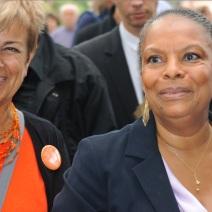 La commissaire du Festival Marie-Louise Gourdon a accompagné durant une grande partie de la Justice son invitée vedette. (Photo Nathan Gourdol)