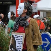 Le mouvement RESF (Réseau éducation sans frontières) attendait la ministre pour faire passer un message. (Photo Nathan Gourdol)