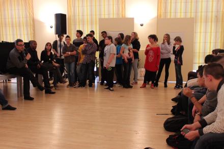"""Les élèves lorrains sont intervenus dans le débat :""""peut-on tout montrer dans un journal?"""" (Crédit photo J.M.)"""