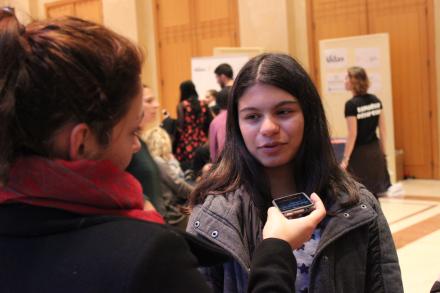 Du haut de ses 12 ans, Clara va désormais participer à des ateliers journalistiques les vendredis (Crédit photo : J.M)