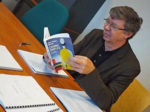Jean Michel Besnier présente son livre. Crédit photo D.R.