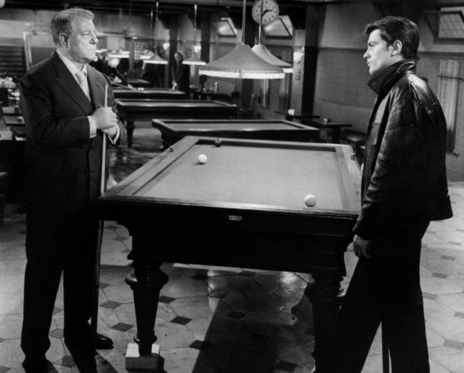 Jean Gabin face à Alain Delon, deux monstres sacrés du cinéma français réunis dans un même film. D.R.