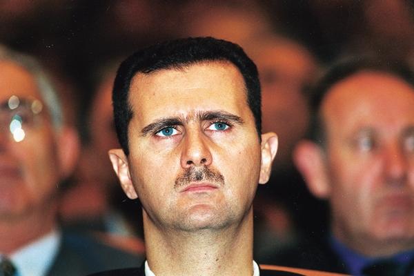 Bachar el-Assad a mis en place un décret pour protéger la liberté de la presse alors qu'un black-out médiatique sévit en Syrie depuis le début du conflit. (Crédit photo : larousse.fr)