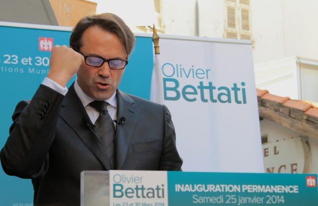 Olivier Bettati présente son programme à sa permanence le 25 janvier. (Crédit photo : Soraya Bezombes)