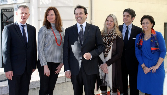 La liste dissidente d'Olivier Bettati lors de l'inauguration de sa permanence le 25 janvier (Crédit photo : Soraya Bezombes)