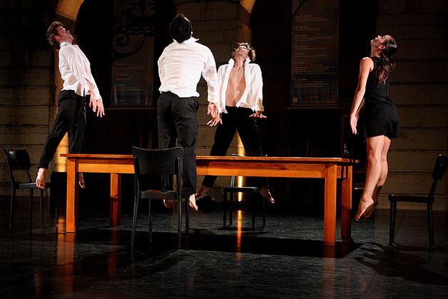 La pièce Concerto, de Marco Cantalupo et Katarzyna Gdaniec, dansée par le National Ballet of Portugal. (Crédit Photo : Mario Gaspar)