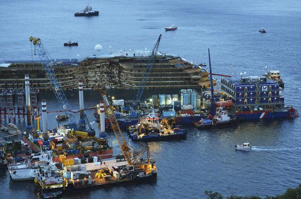 Les opérations de dégagement du Costa Concordia ont lieu depuis septembre. (D.R)