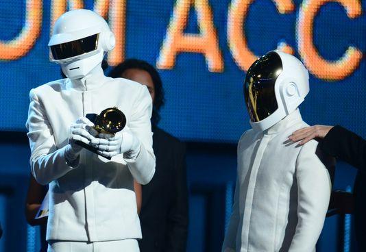 Les Daft Punk grands gagnants des Grammy Awards (Crédit Photo: AFP/FREDERIC J. BROWN)