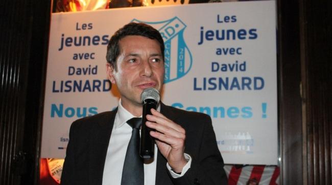 David Lisnard faisant son discours au pub le Kingdom (Crédit photo : Gyotis Delsart).