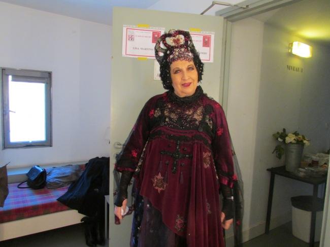 Juliette Carré dans son costume de reine Marguerite (Crédit photo : Camille Degano)