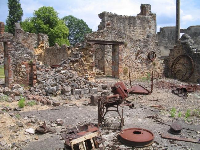 Depuis le massacre du village martyr, les ruines d'Oradour-sur-Glane sont restées en l'état (Photo Dennis Nilsson)