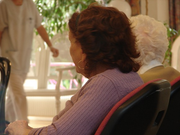 Maisons de retraite le sos du personnel buzzles for Aide soignante dans une maison de retraite