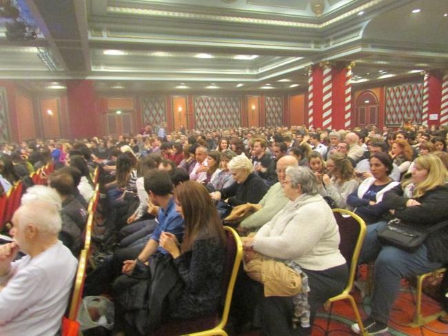 Le public du Palais de la Méditerranée attend Jérémy Ferrari)  (Crédit Photo : Jérémy Satis)
