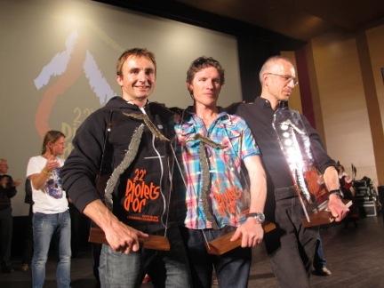 Finalement, le jury a récompensé  deux ascensions : celle d'Ueli Steck (à gauche) et celle d'Ian Welsted (au milieu) et Raphaël Slawinsky (à droite) (exploration du K6 au Pakistan, 7 040 m) / (crédit : A.Ch)
