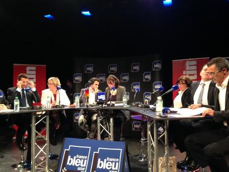 France Bleu Azur a diffusé une heure durant, en direct, ce débat traitant de la sécurité, du stationnement, des transports ou encore du rayonnement de la ville. Crédit Photo : Elie Julien