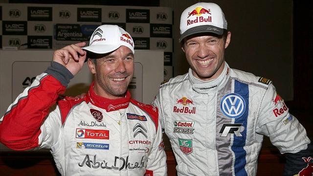 Ce n'est qu'une fois adversaires qu'enfin les deux Sébastien pouvaient être amis, ou du moins complices. À gauche, Loeb avec sa combinaison Citroën, à droite Ogier aux couleurs de Volkswagen. (Crédit photo : D.R.)