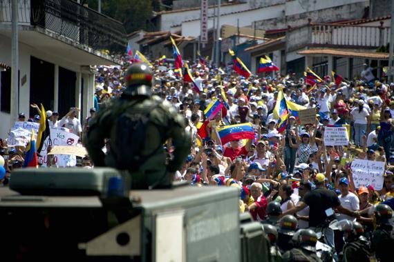 « La répression a fait au moins 20 morts et des centaines de blessés » Crédit photo : lesechos.fr
