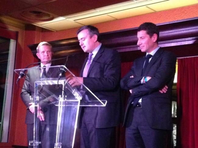 Yves Jego (au centre), vice-président de l'UDI, a salué le choix « juste et bon » de Gilles Cima (à gauche) puis a énuméré les qualités de David Lisnard (à droite). (Crédit photo : Elie Julien)