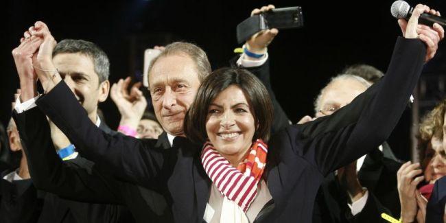 Anne Hidalgo lors de sa victoire le 30 mars 2014, elle devient la première femme maire de Paris. (photo : MATTHIEU ALEXANDRE / AFP)