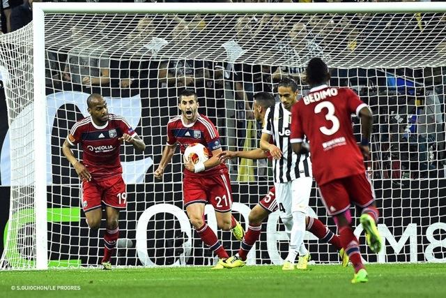 La joie des Lyonnais après leur but, une belle image de cette saison européenne (Crédits : S.Guiochon/Le Progrès)
