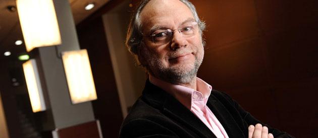 Laurent Joffrin quitte ses fonctions de directeur du Nouvel Observateur. (Crédit photo : BALTEL / SIPA)