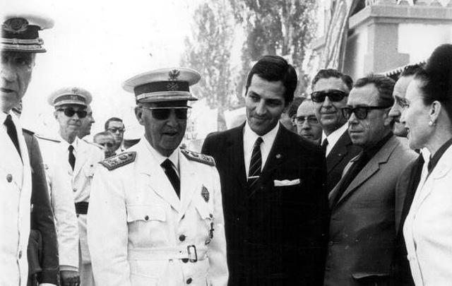 « Adolfo Suárez avec le général Franco » CP : elpais.com