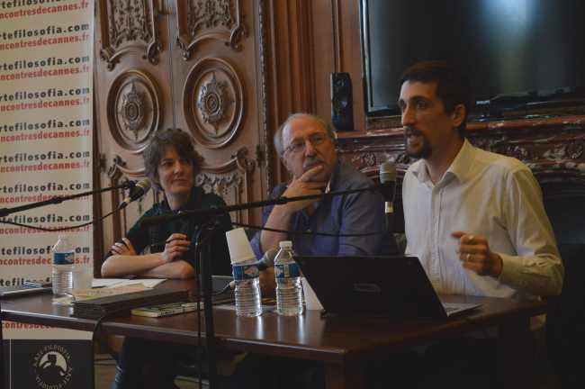 Amaëlle Guiton, auteure de l'ouvrage Hackers : Au coeur de la résistance numérique était aussi présente. VV