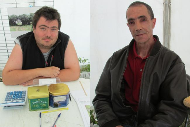 Alexis Olivet et Kada Hadidi sont deux jardiniers en réinsertion aux Jardins de Cocagne Mâcon (crédit : Camille Degano)