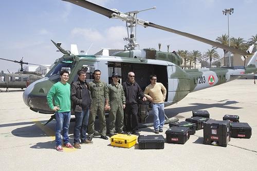 Michael Pitiot (deuxième à gacuhe) et l'équipe de tournage au Liban. (Michael Pitiot)