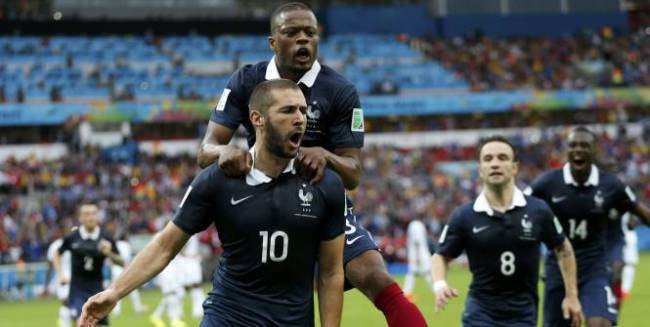 A plusieurs reprise Benzema a bénéficié des centres de ses coéquipiers comme sur le deuxième but de l'Equipe de France (Crédit Photo : Reuters)