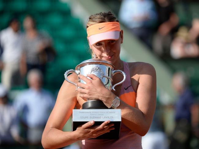 Maria Sharapova savoure son 2ème trophée à Roland-Garros. (Crédit photo: D.R.)