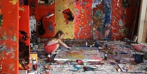 Aelita dans son atelier. (Crédit photo : Tuxboard)