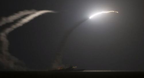 Tir de missile Tomahawk depuis l'USS Philippine Sea. (Crédit photo Reuters)