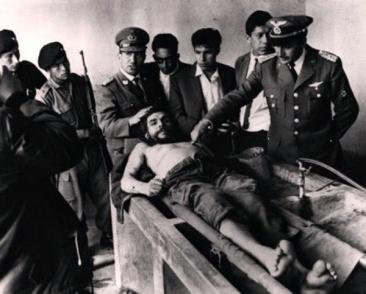 Corps du Che Guevara en Bolivie, où il est mort assassiné en 1967 sur ordre de la CIA. D.R.