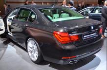 Dynamisme et sobriété qualifient la BMW série 7 limousine. Le constructeur allemand fait toujours partie des numéro 1 sur le marché des berlines.(Crédit photo : Jérémy Satis)