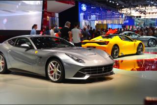 Dans la famille des stands inaccessibles et fermée au grand public : je demande Ferrari. (Crédit photo : Jérémy Satis)