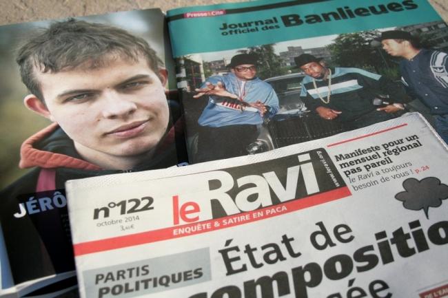 Alter Échos, Le Journal Officiel des Banlieues et le Ravi, trois titres qui, chacun à leur façon, donnent la parole aux milieux populaires. (Crédit Photo: Nicolas Richen)